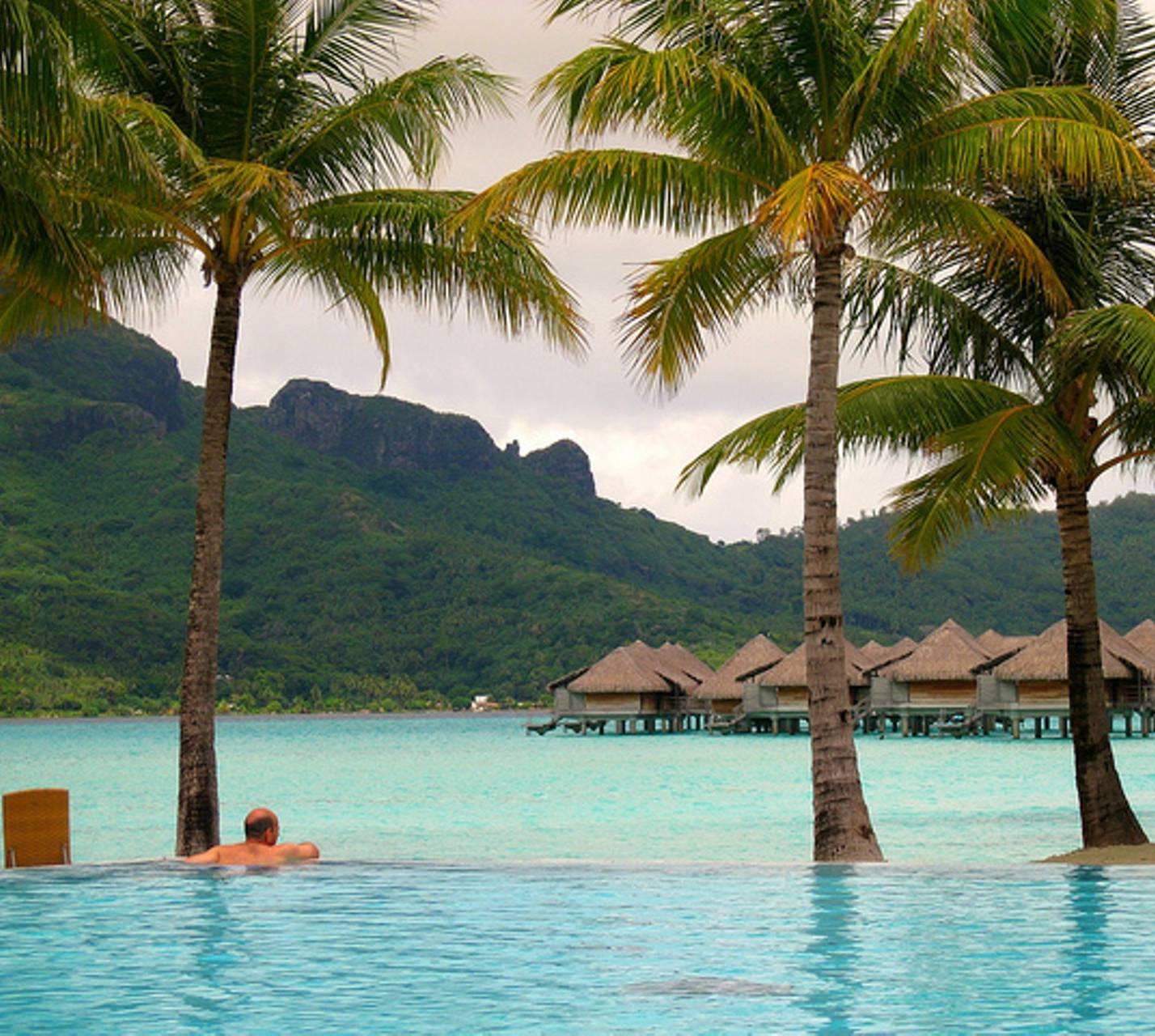 Bora Bora Poolside