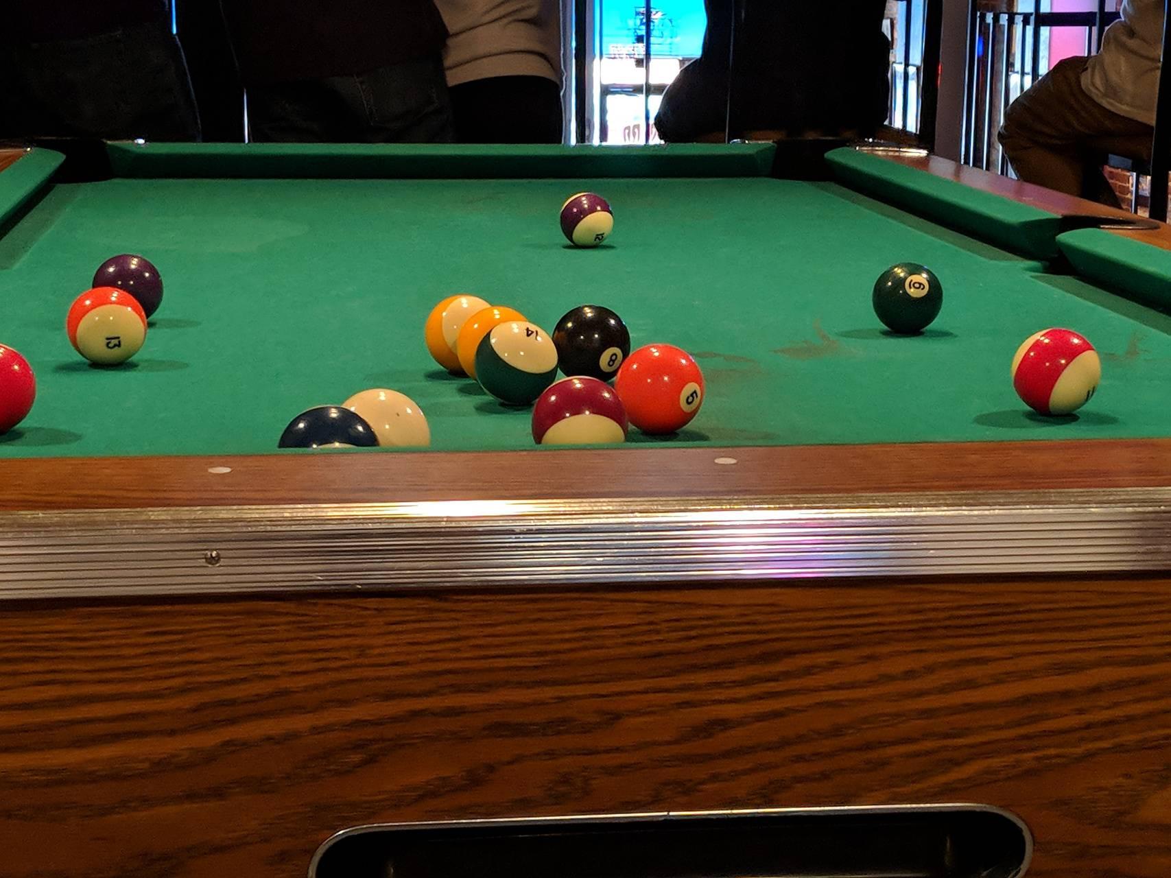 lil tom shoots pool