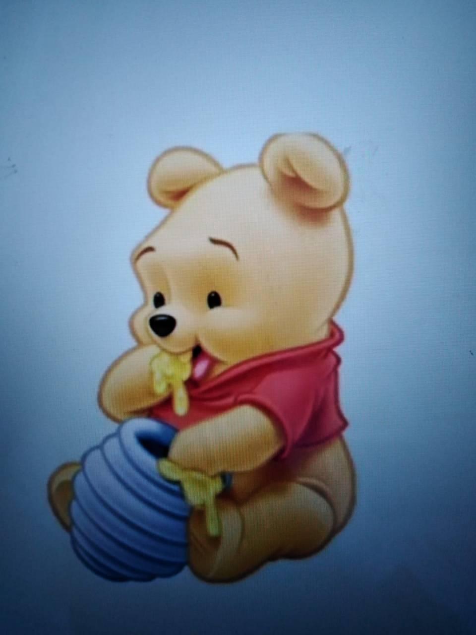 Winnie eat
