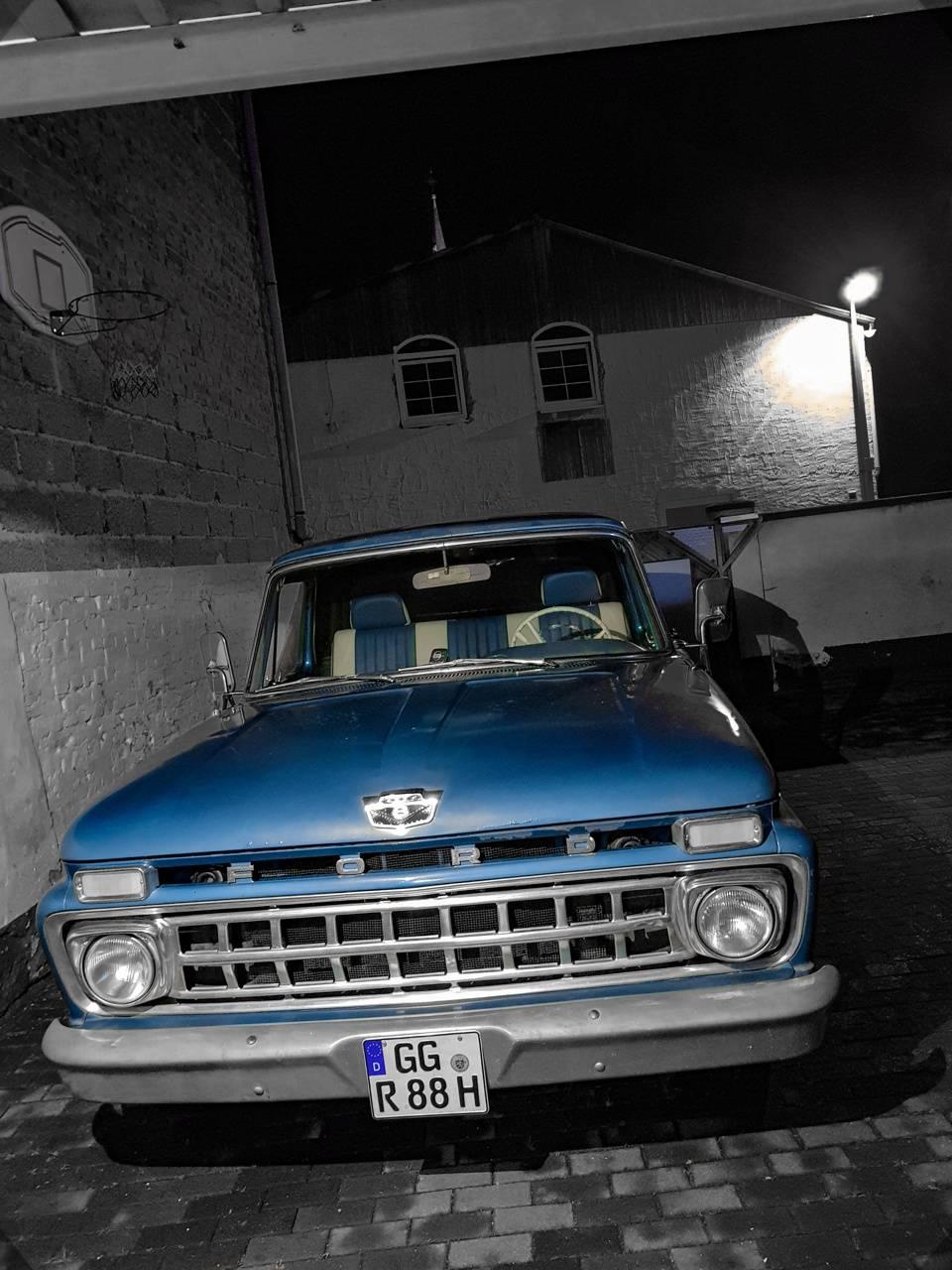 Oldtimer Car Ford