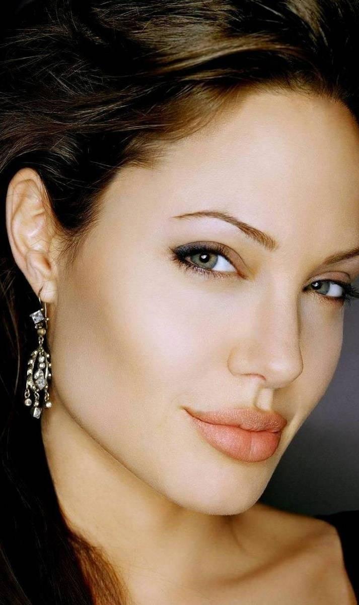Angelina Hot