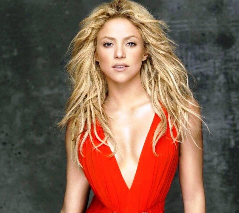 Shakira Red Hot
