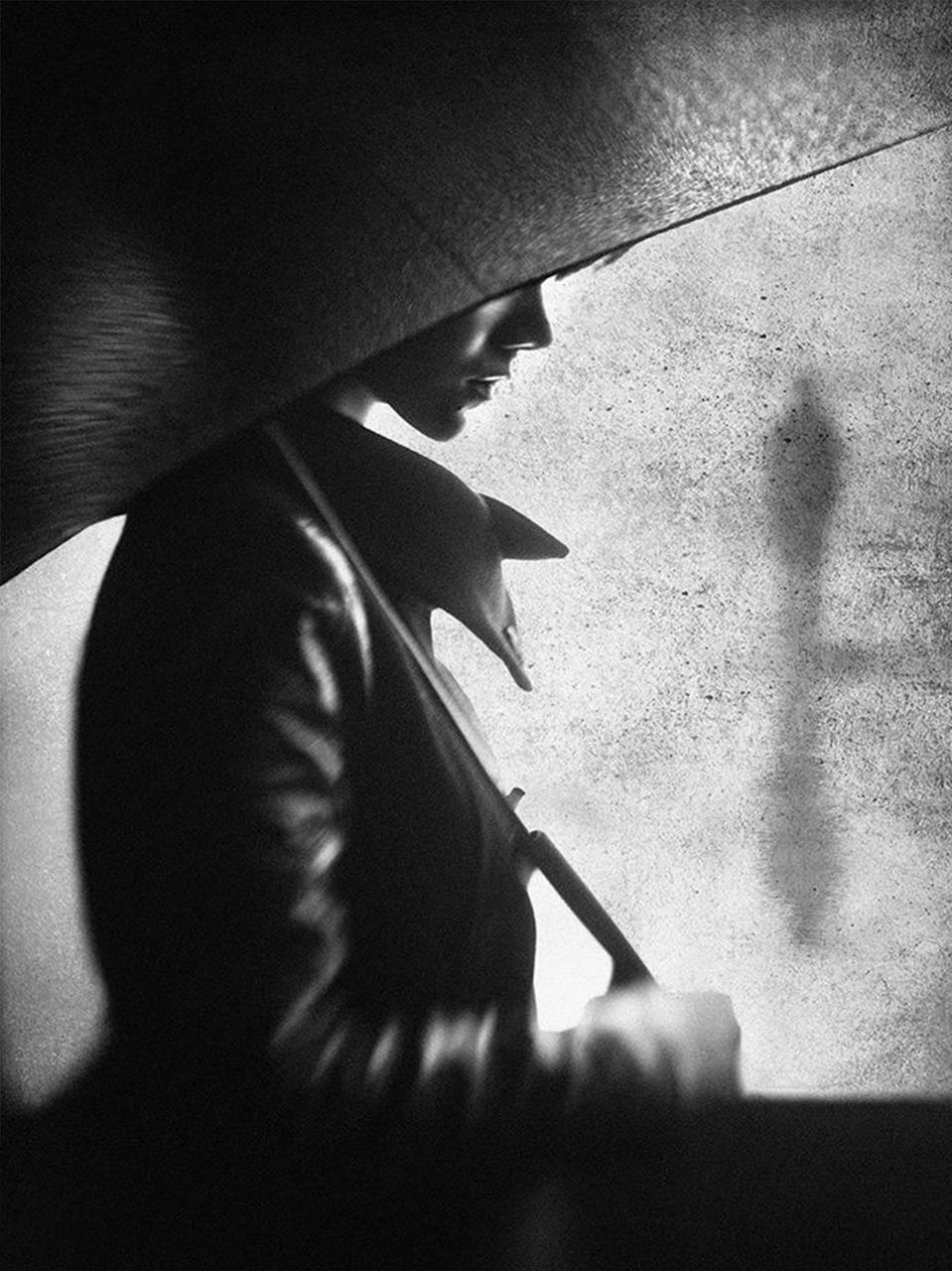 Risultato immagini per black and white shadow portraits