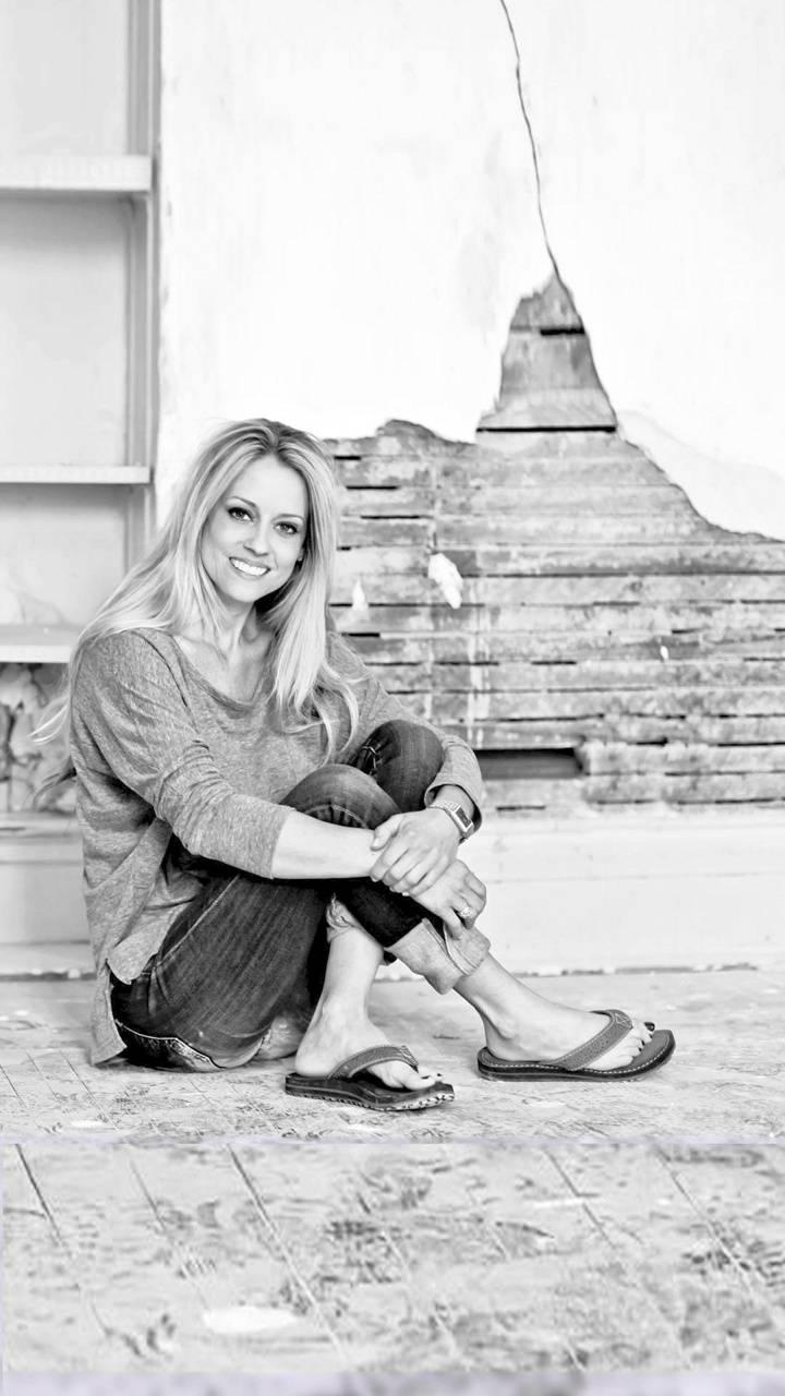 Nicole Curtis