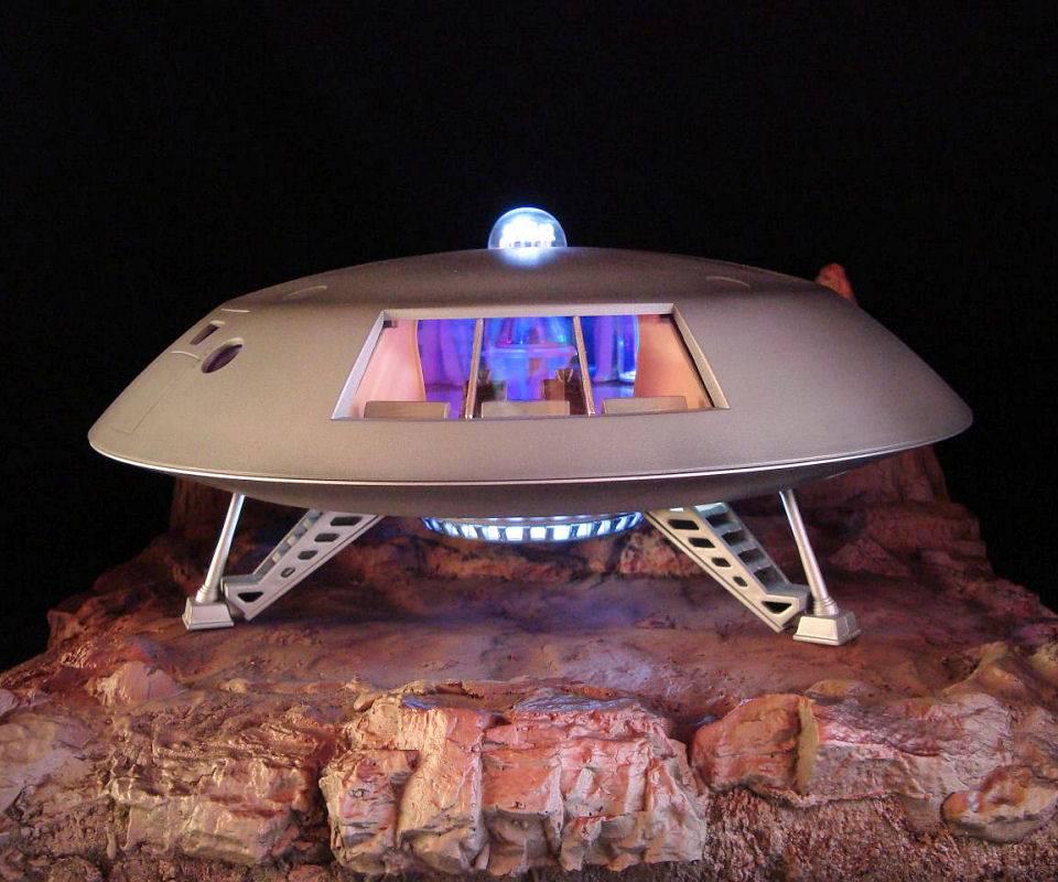 Jupiter 2 Spaceship