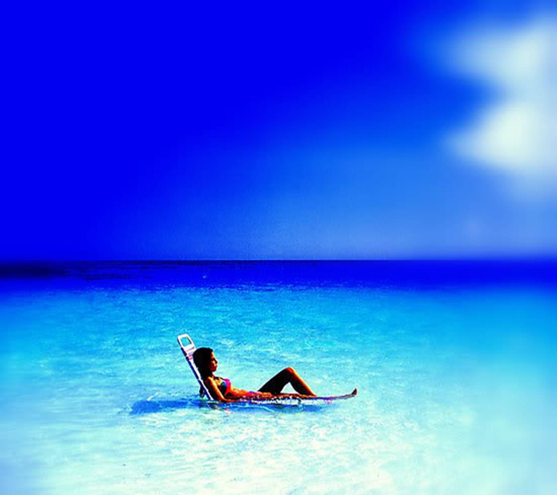 Paradise Moments
