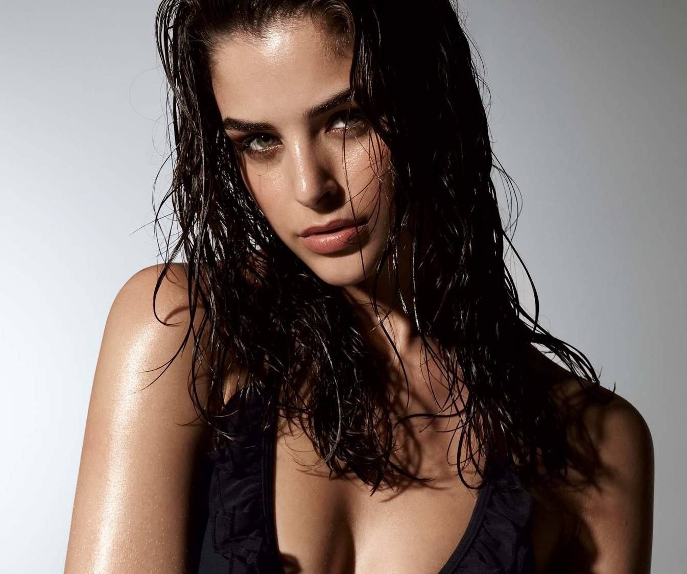 Hot In Wet
