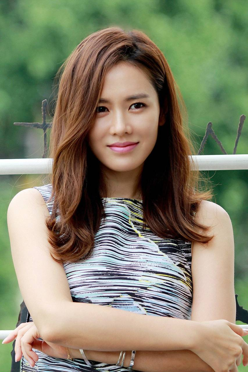 Son Ye Jin Wallpapers High Resolution and Quality Download