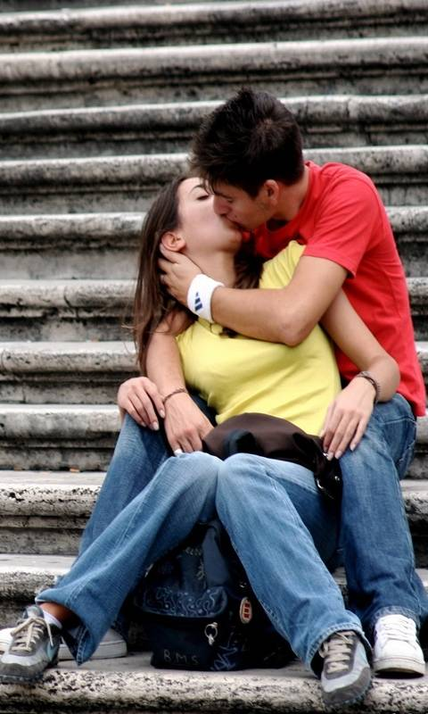 Couple Kissing Style