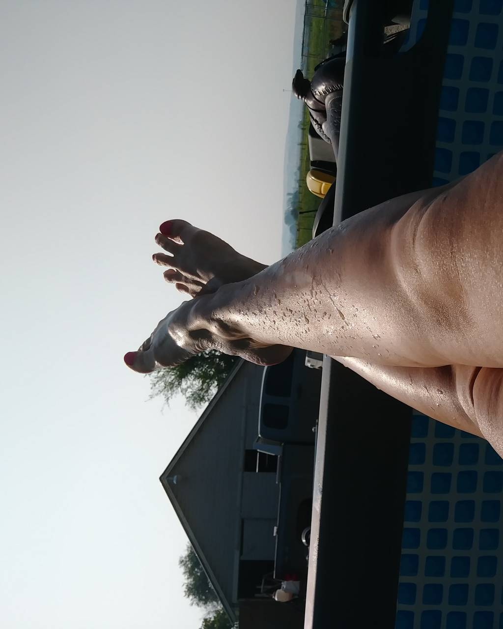 Swimming pool legs