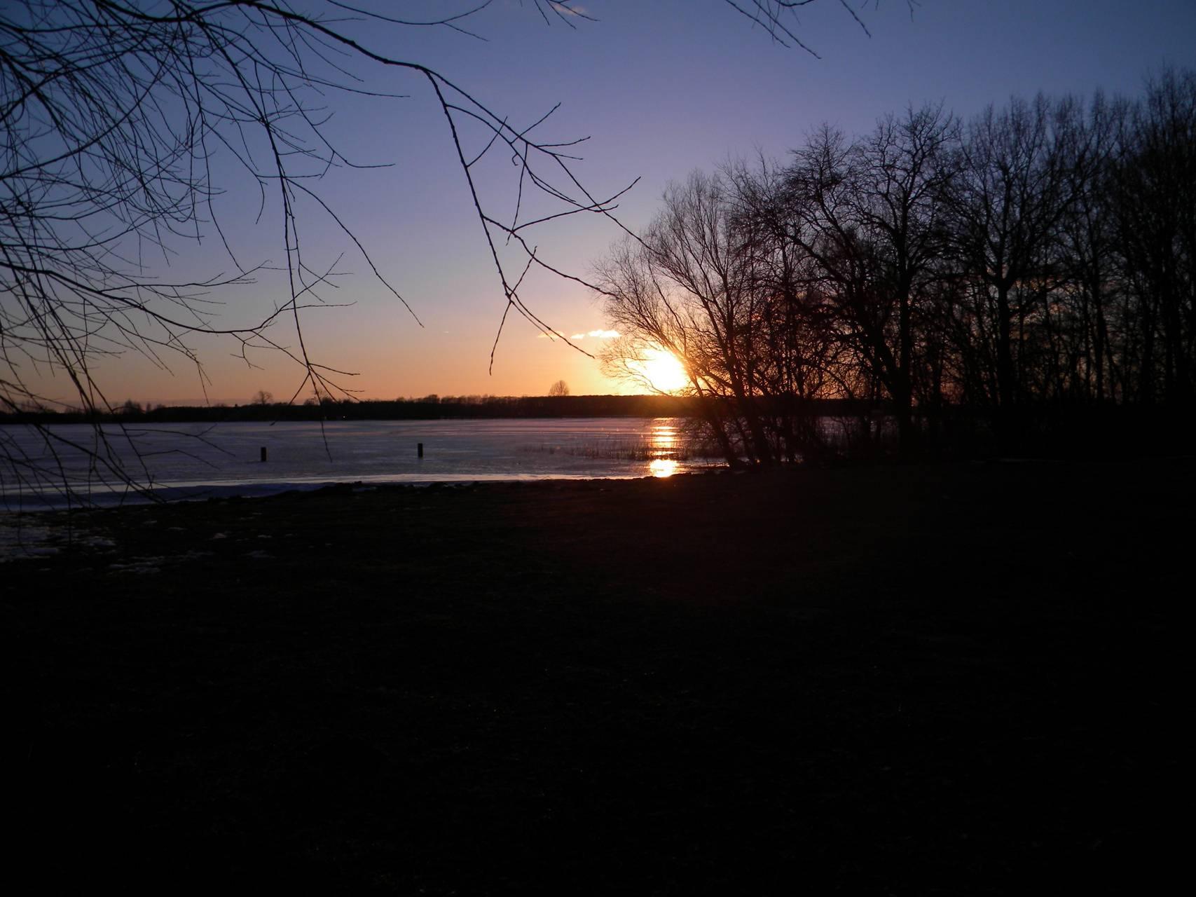Lake Goplo in winter