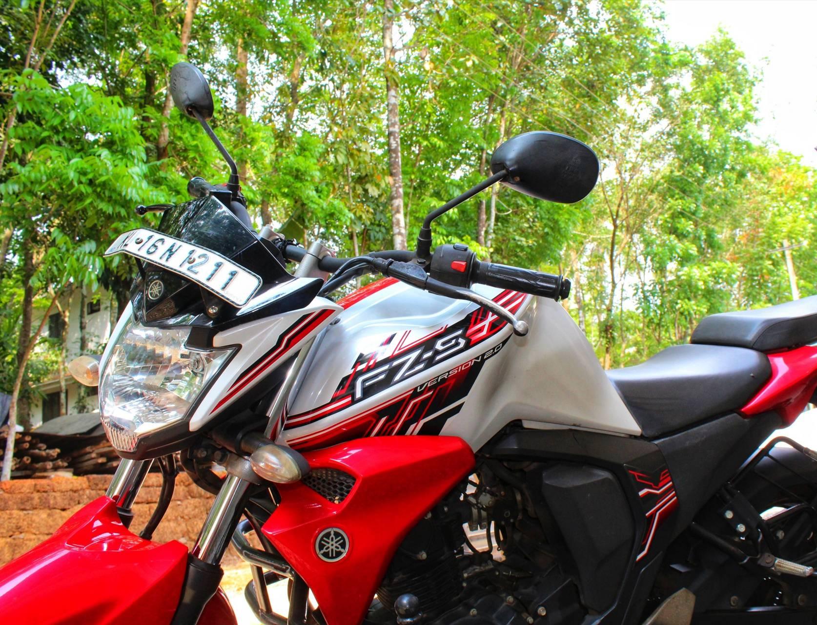Yamaha FZS 2 0
