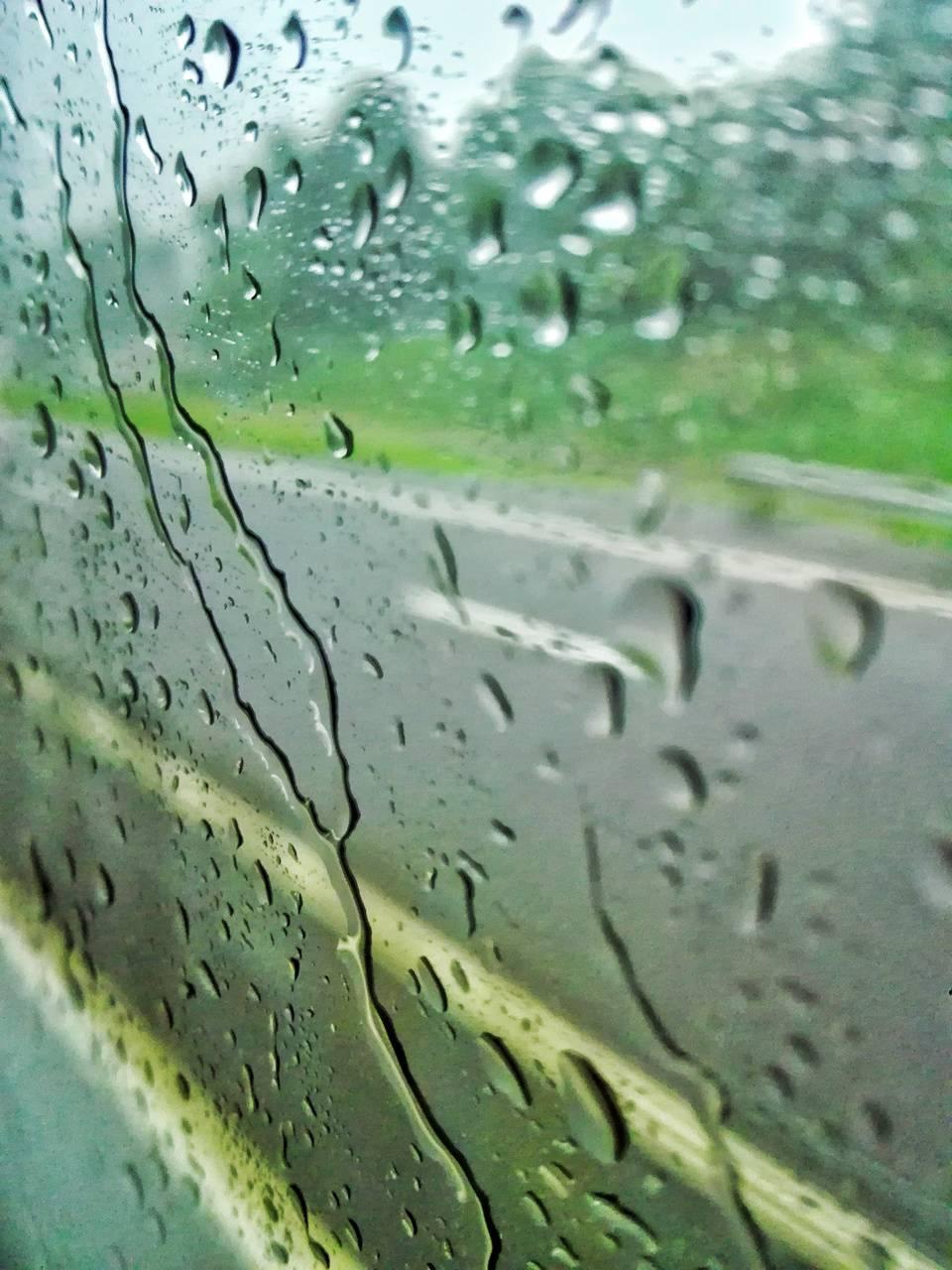 Glassy water drops