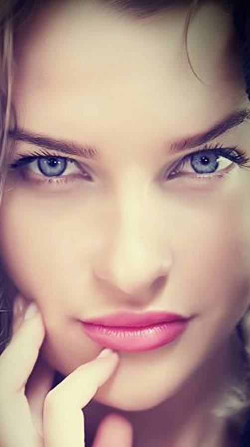 blue eyes girl