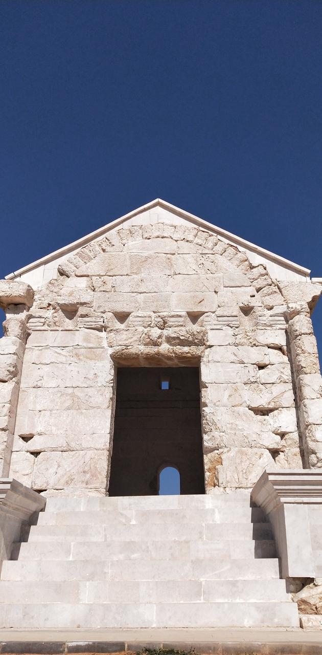 roman memorial tomb