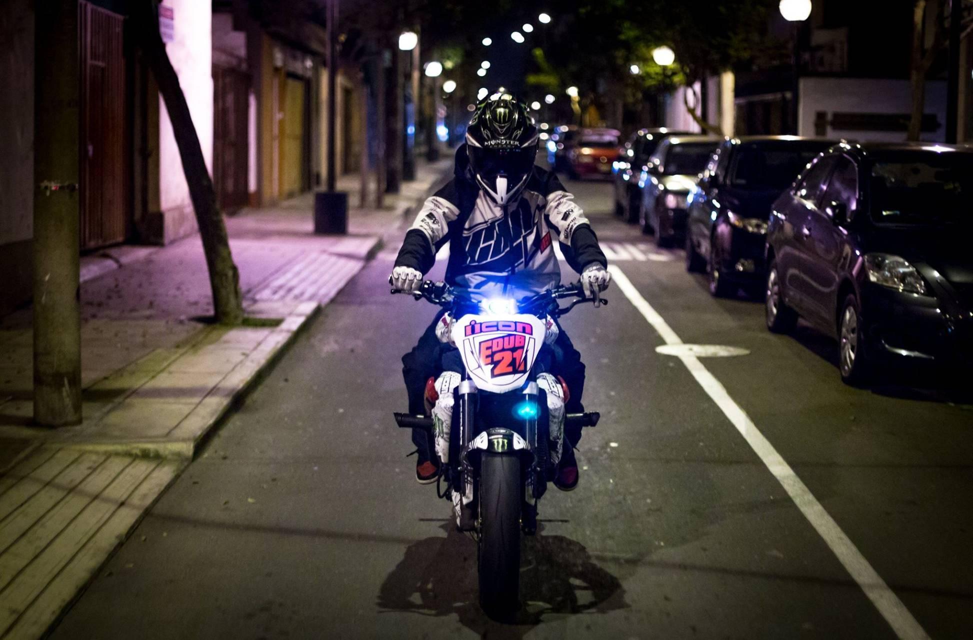 Motorcycle Sunt