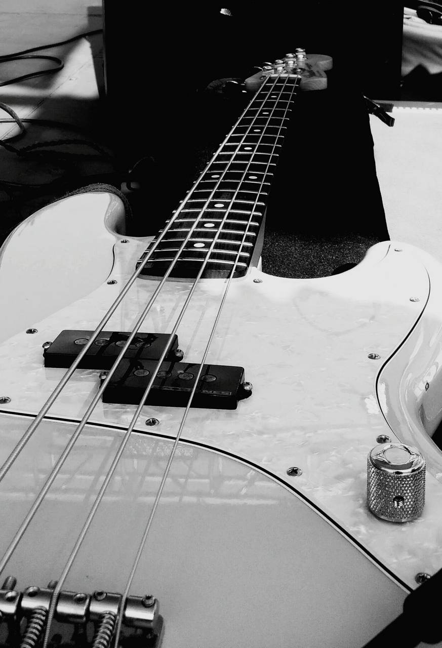 Fender Bass Wallpaper By Satommy Cf Free On Zedge